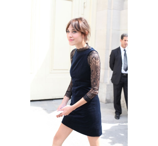 street_looks____la_fashion_week_haute_couture_de_paris__jour_2_chanel_alexa_chung_890736533_north_883x.1